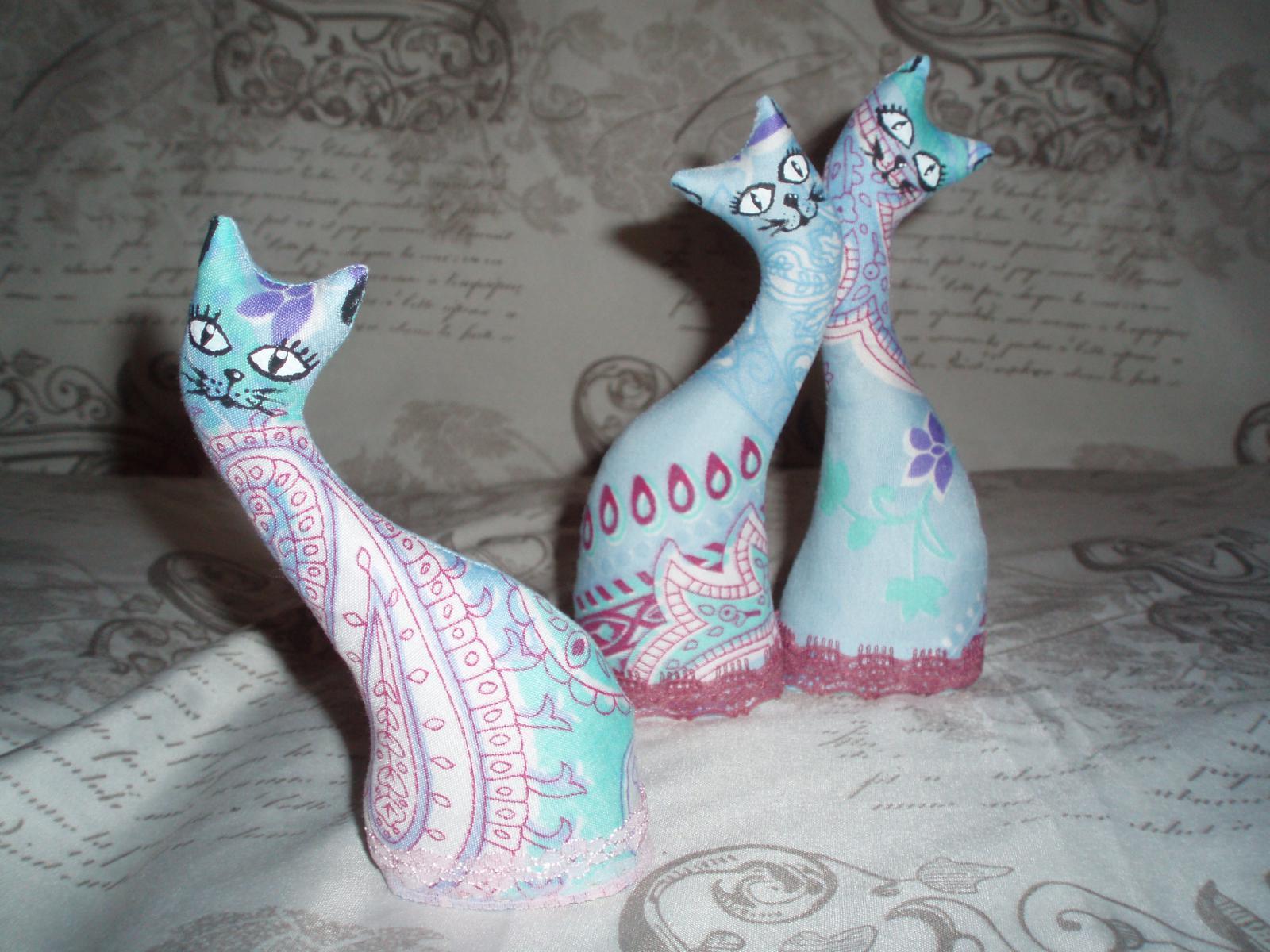 Кошки-статуэтки мятные